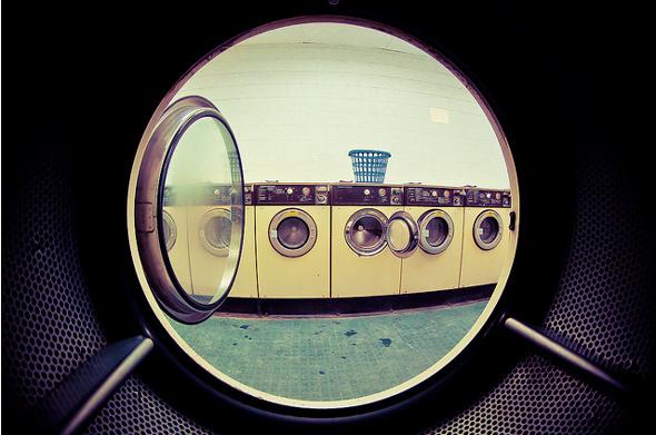 20120225-insidelaundromat